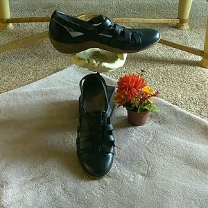Woman's Life Stride Simply Comfort Shoes